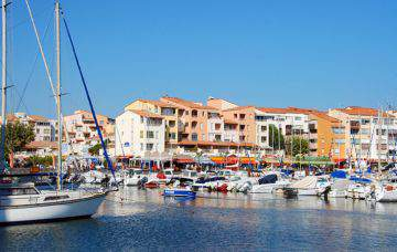 Location Vacances Grau Du0027Agde   Le Centre Port Et La Marina Avec Les  Commerces ...